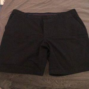 Izod Men's Black Shorts. Size 42